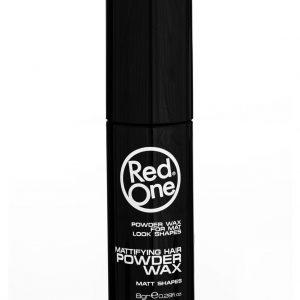 Red One Powder Wax je púder na vlasy, ktorý dodáva objem,dvíha vlasya zanechávamatný vzhľad.
